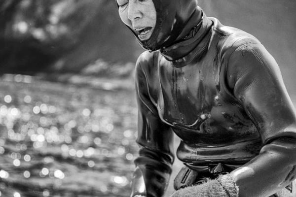 haenyeo women divers sea jeju island south korea photography photo Exhaustion 683x1024