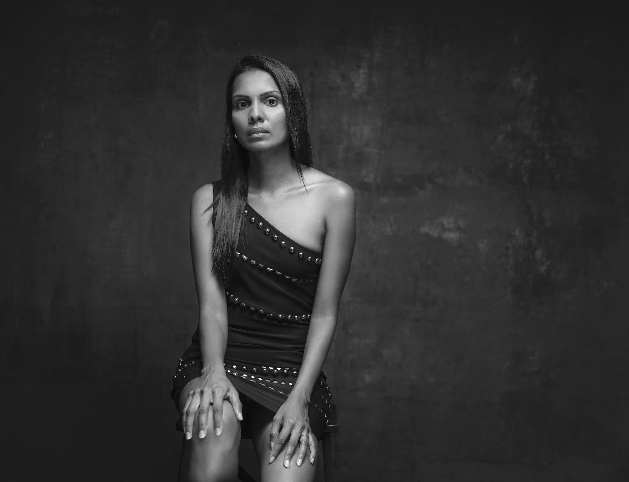 Fashion photography studio singapore services asia photographer photoshoot model shanthi jeuland bw
