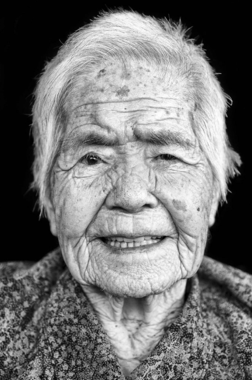 Portrait portraiture photography studio singapore services asia photographer Jose Jeuland okinawa centenarian longevity old people